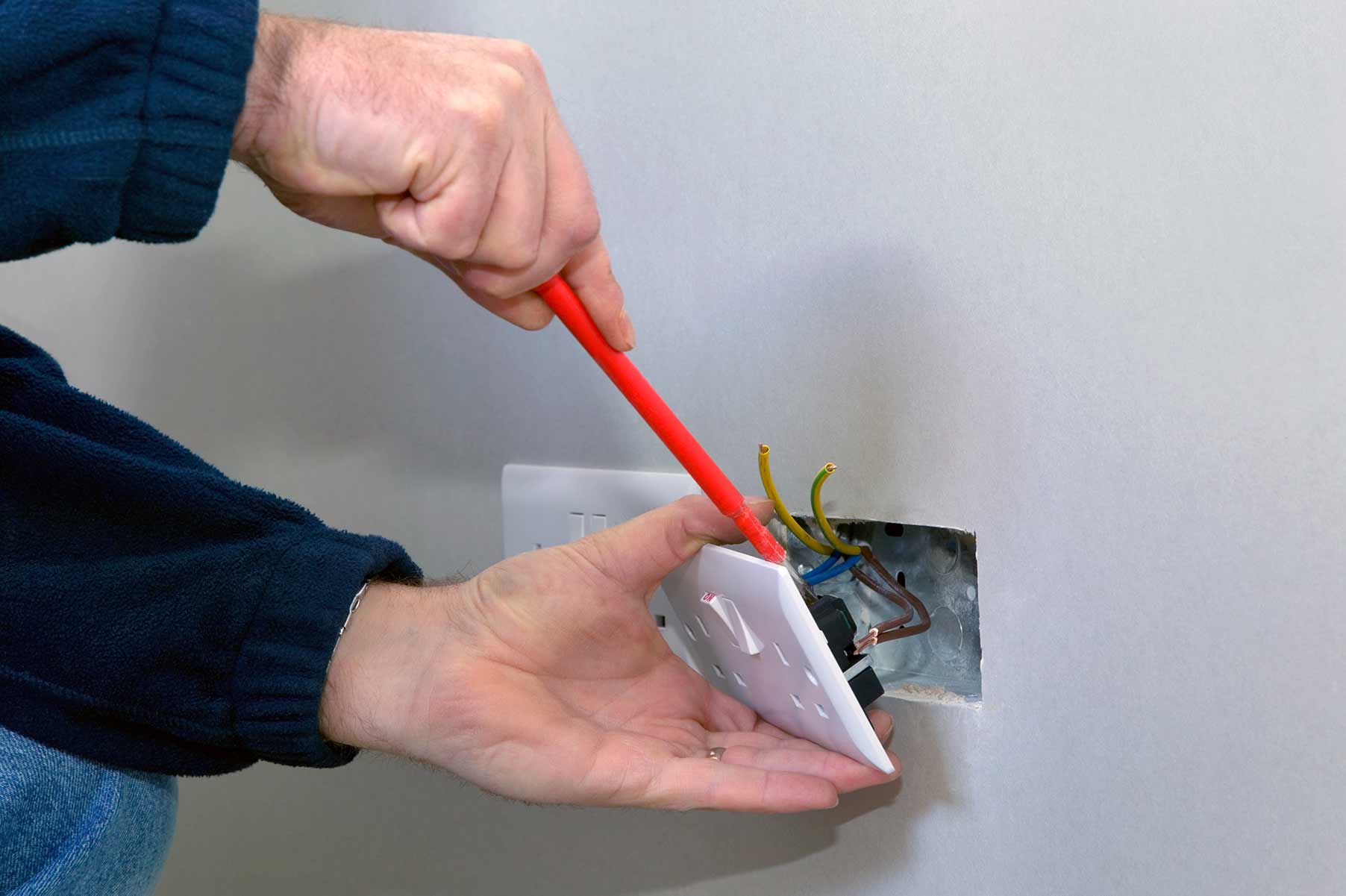 Our electricians can install plug sockets for domestic and commercial proeprties in Stoke Newington and the local area.